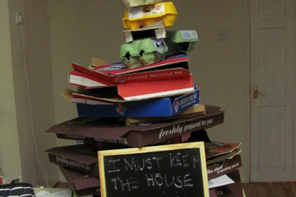 messy_student_house