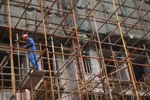 Scaffolding – So Much Safer than Ladders!